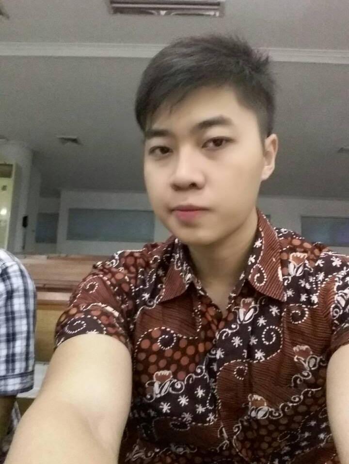 johan_92_candid1